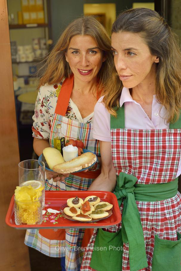 Laura and Marta Calvo, Las Gracias, Palma de Mallorca